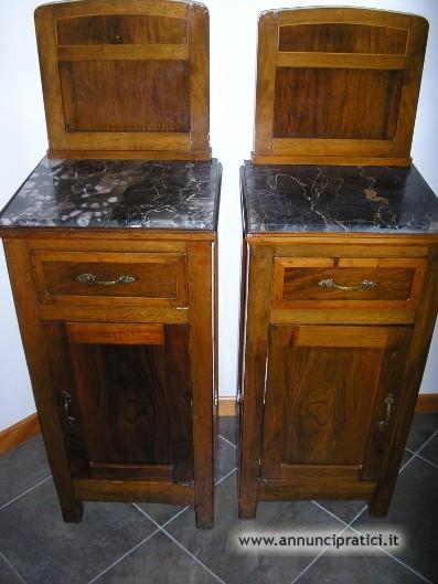 Vendo 2 Comodini Antichi con marmo