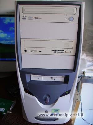 Computer completo di accessori